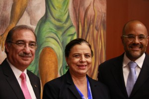 Justice Alberto Pérez Dayán of the Mexican Supreme Court, Dr. Ma. Leoba Castañeda Rivas, Director of the UNAM Law School, and Dr. David Shirk, Director of Justice in Mexico and Associate Professor of Political Science at the University of San Diego. The photo was taken at OASIS symposium held at UNAM Law School, Sept 24-25, 2015.