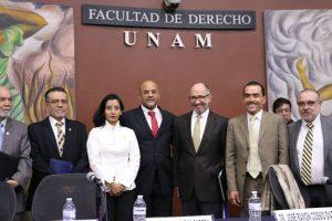 Keynote speaker Supreme Court Justice José Ramón Cossīo Díaz with UNAM Faculty
