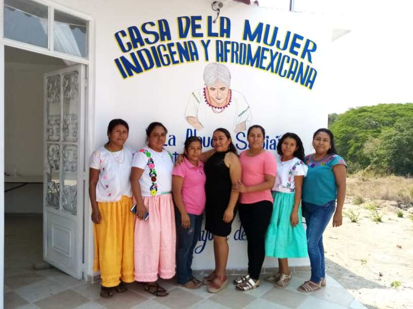 "Members of the ""La Abuela Sabia"" CAMI in Ayutla de los Libres, Guerrero. Photo: La Dekonstrucción"